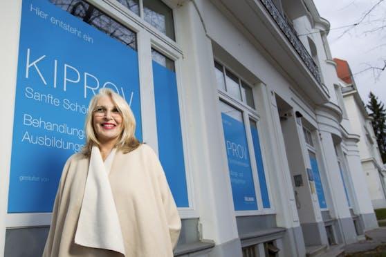 """Hajni Kiprov schlug den Weg zur """"sanften Schönheitsmedizin"""" ein. Mit 75 Jahren ist sie nun von uns gegangen."""