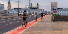 Auf der Nibelungenbrücke sehen Radfahrer jetzt rot