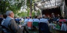 """Van der Bellen zu Besuch beim """"Theater im Park"""""""