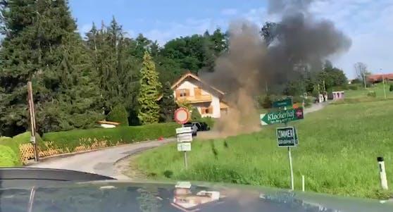 Ein Video (unten) zeigt die Sprengstoffsprengung.