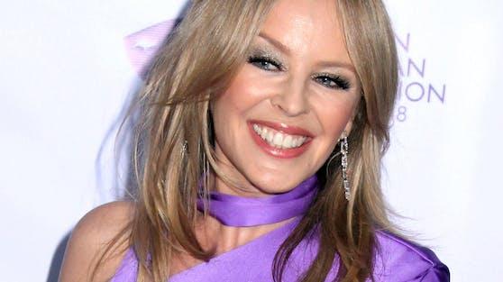 Völlig überraschend hat Kylie Minogue ein Album angekündigt