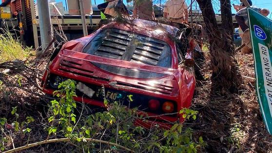 Der Bolide wurde bei dem Crash schwer beschädigt.