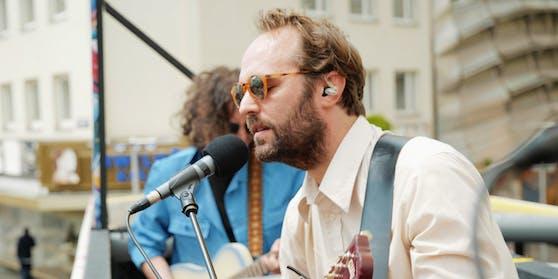 """Paul Plut von der Band """"Viech"""""""