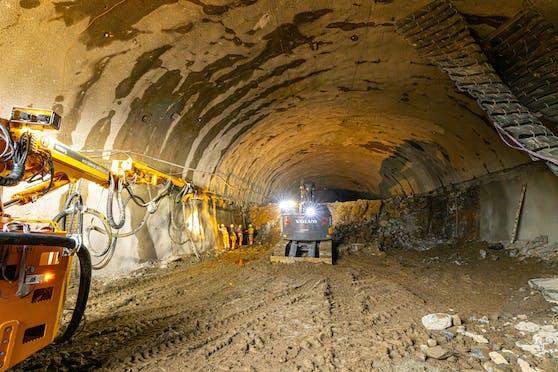 Der Westring nimmt Formen an, im ersten Tunnel ist schon ein Fortschritt zu sehen.