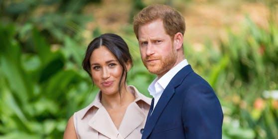 Die erste Folge von «Archewell Audio», dem neuen Podcast von Prinz Harry und Herzogin Meghan ist diese Woche erschienen. Jetzt wundern sich die Briten über den offenbar neuen Akzent ihres Prinzen, der Meghans amerikanischem Englisch immer ähnlicher werden soll.