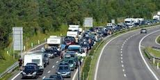 Heftige Staus auf Balkan-Routen trotz Quarantänepflicht