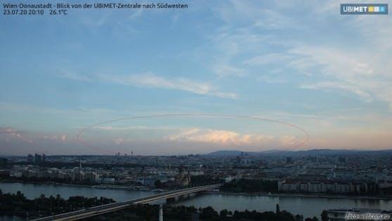 Cumulonimbus-Wolke in der Steiermark von Wien aus,145 km Entfernung gesehen ( 23.Juli 2020)