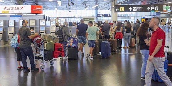 Flugpassagiere am Wiener Airport
