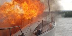 Segelboot geht nach Blitzschlag in Flammen auf
