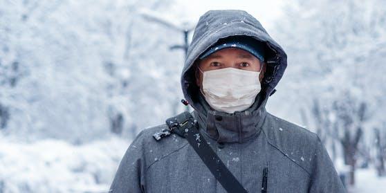 """""""Wir wissen, dass das Virus sich draussen weniger effektiv verbreitet als in geschlossenen Räumen"""", sagt eine WHO-Sprecherin."""