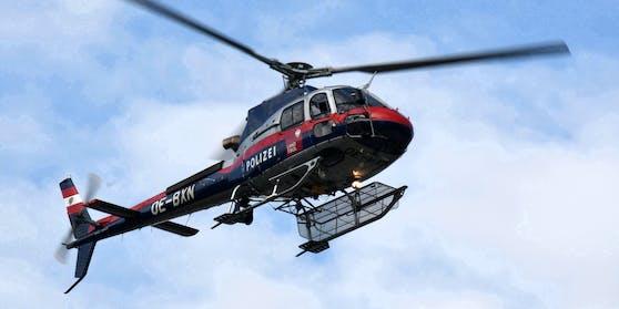 """Der Leichnam wurde vom Polizeihubschrauber """"Libelle"""" abtransportiert."""
