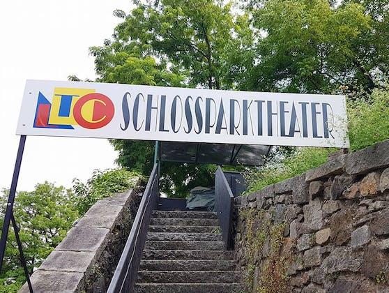 Der Aufgang zum Schlossparktheater in Linz