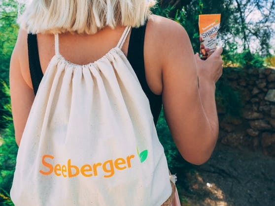 """Jetzt teilnehmen und neue Produkte """"Snack2go"""" sowie einen Turnbeutel von Seeberger gewinnen!"""