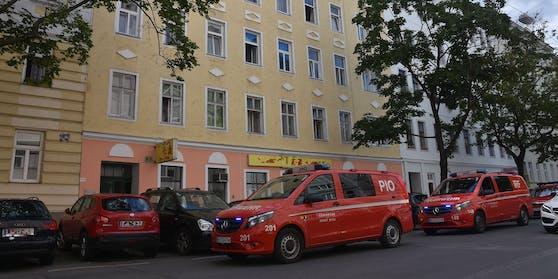 Die Wiener Berufsfeuerwehr wurde zu einem Kohlenmonoxid-Unfall gerufen.
