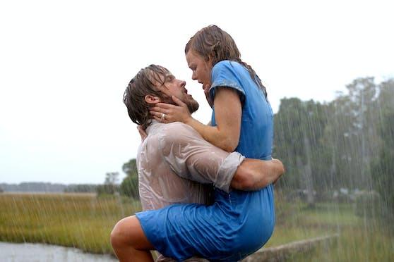 """Den leidenschaftlichen Küssen von Ryan Gosling (li.) und Rachel McAdamsin """"Wie ein einziger Tag"""" ging ein heftiges Schreiduell der beiden Stars voraus."""