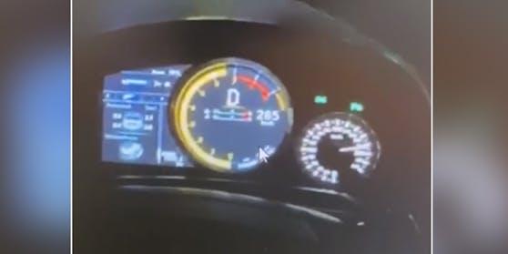Der Fotobeweis: Mit 285 km/h über die Südautobahn