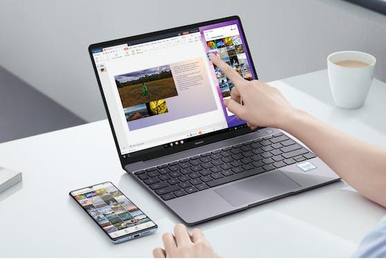 Huawei MateBook X Pro ermöglicht, dank der Multi-Screen-Collaboration, eine rasche und einfache Übertragung der Inhalte vom Smartphone auf das Notebook.