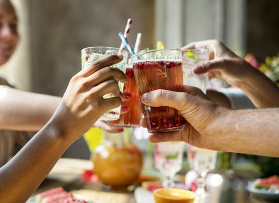 Der Verzicht auf alkoholische Getränke ist oft gar nicht so einfach.