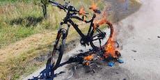 E-Bike fing während der Fahrt plötzlich Feuer
