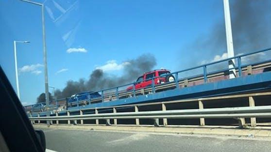 Stau auf der Wiener Tangente nach einem Fahrzeugbrand