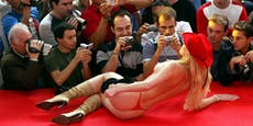 Sexarbeiterin nutzt Kinderspiel für heiße Strips