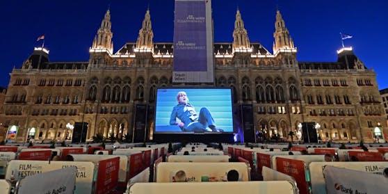 Das Film Festival auf dem Wiener Rathausplatz wurde am Samstag festlich eröffnet.