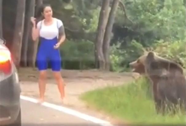 Für Bär-Selfie riskierte sie ihr Leben