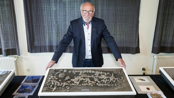 Eine erfolgreiche Ausgrabung: Grabungsleiter Gerhard Höpfner