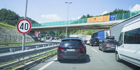 Lange Wartezeiten am Weg nach Kroatien.