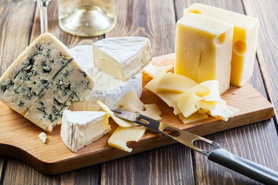Der übermäßige Konsum von Käse kann unsere Gesundheit gefährden.