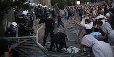 Verletzte bei Straßenschlachten in Belgrad
