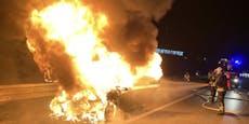 BMW geht aufSüdautobahn in Flammen auf