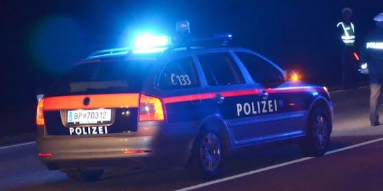 Die Polizei verfolgte den Mann mit Blaulicht.