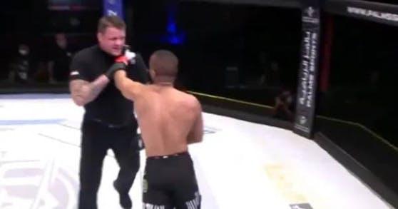 MMA-Kämpfer Ahmad Al Darmaki attackierte den Referee.