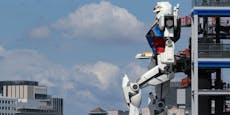 Der größte Roboter der Welt macht seinen ersten Schritt