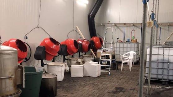 Das Labor sei das größte jemals in Holland gefundene Kokainlabor.