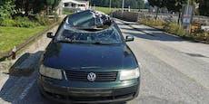 Auto von Frau (30) wird von Stahlträgern durchbohrt