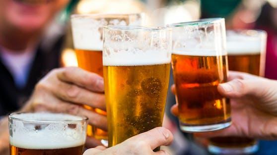 Ein kühles Bier steht am Vatertag bei vielen als Geschenk weit oben.