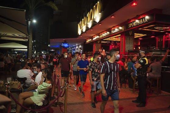 Die spanische Regierung ergreift drastische Corona-Massnahmen. Das Nachtleben wird landesweit unterbunden.
