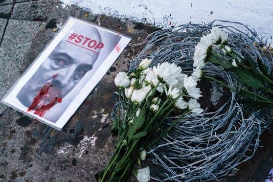 """""""Die Anzeichen auf einen Machtwechsel verdichten sich: Minister, Polizisten und Fernsehstars treten von ihren Ämtern zurück. Von daher glaube ich nicht, dass es noch irgendeine Hoffnung für Lukaschenko mehr gibt."""""""
