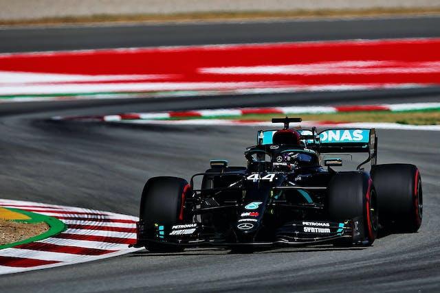 Hamilton Rast Zur Nachsten Pole Ferrari Abgeschlagen Formel 1 Heute At