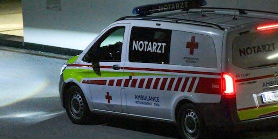 Der Jugendliche wurde in eine Innsbrucker Klinik gebracht (Symbolbild).