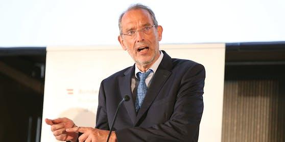 Bildungsminister Heinz Faßmann präsentierte gestern seinen Plan für den Schulstart im Herbst