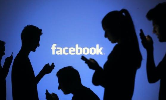 Die Daten von jedem zweiten Facebook-Nutzer und jeder zweiten Facebook-Nutzerin sind im Darknet aufgetaucht.