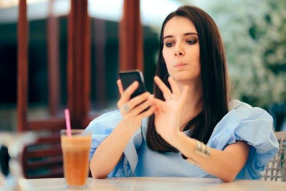 Auf Tinder regieren viele Ungewöhnlichkeiten, wenn es darum geht, sein Profil möglichst ansprechend zu gestalten. Manche haben dort Kultstatus.