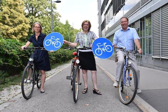 Die Bezirksvorsteherinnen Michaela Schüchner (Penzing) und Ilse Pfeffer (Hernals) wollen mit Bezirkschef Franz Prokop (Ottakring) das Radnetz im Westen Wiens verbessern.