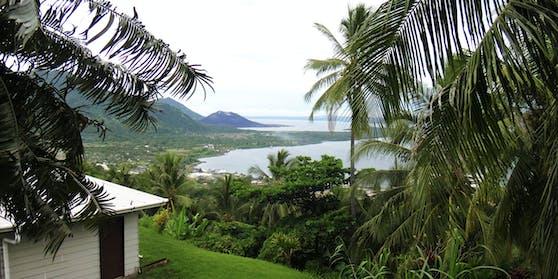Blick auf die Kleinstadt Rabaul, Papua-Neuguinea.
