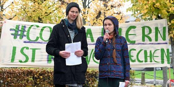 """""""Containern"""" als Aktivismus – Caro und Franzi wollten auf Lebensmittelverschwendung aufmerksam machen."""