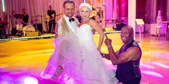 Ehepaar Kaltenegger mit dem deutschen Sänger Haddaway