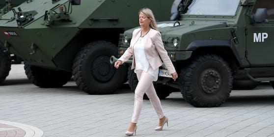 Hasswelle gegen Politikern trifft nun auch Klaudia Tanner (ÖVP)